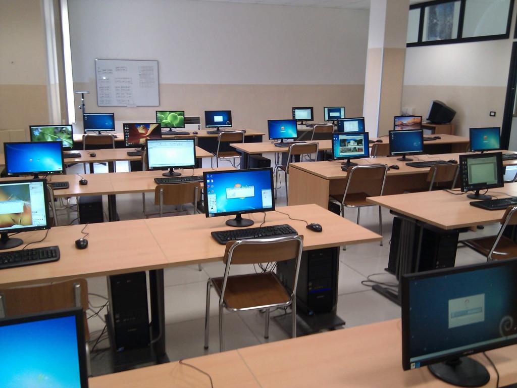"Aula di Informatica Istituto ""Bambin Gesù"""